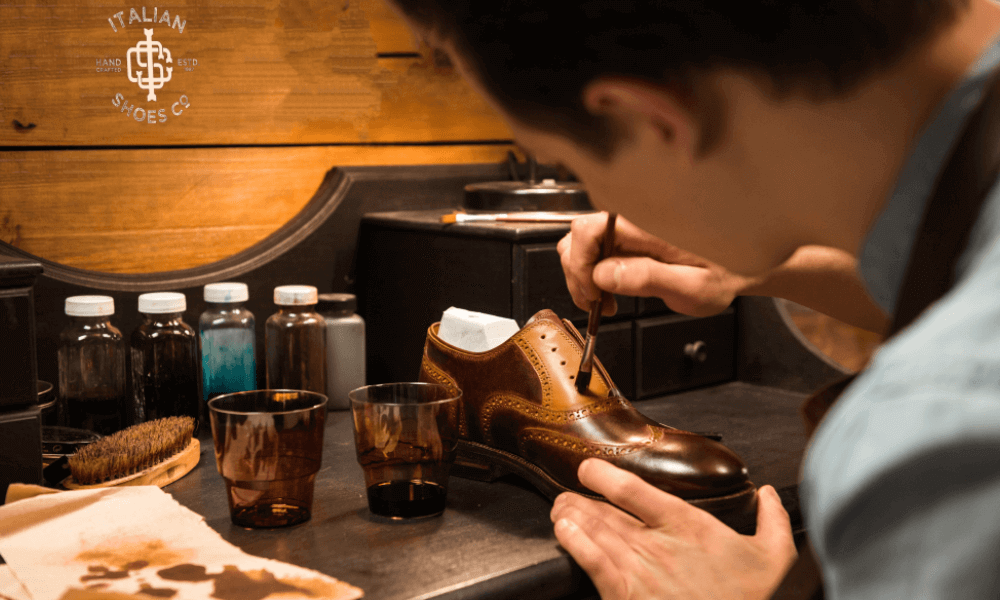 Leather Shoe for Men in Italy